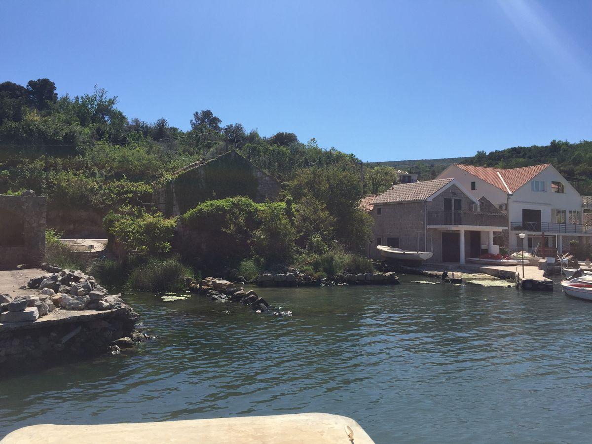 Купить домик в черногории у моря тур в дубай стоимость