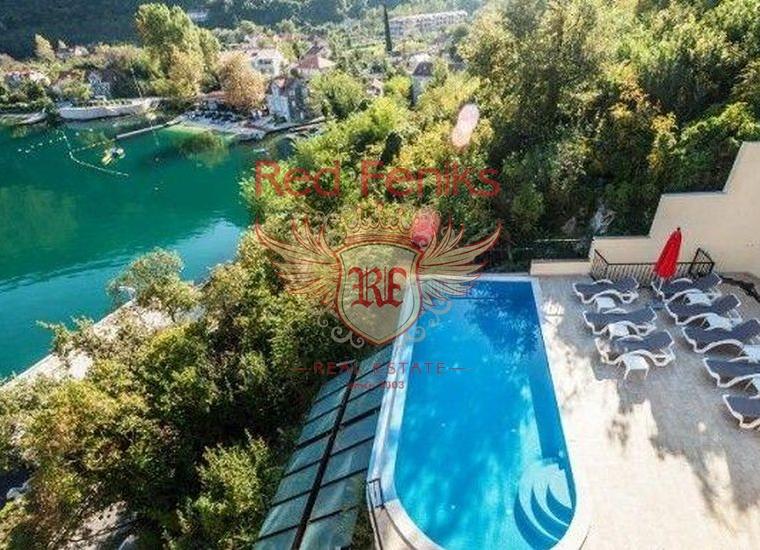 Отличные квартиры в поселке Моринь, Квартира в Которский залив Черногория