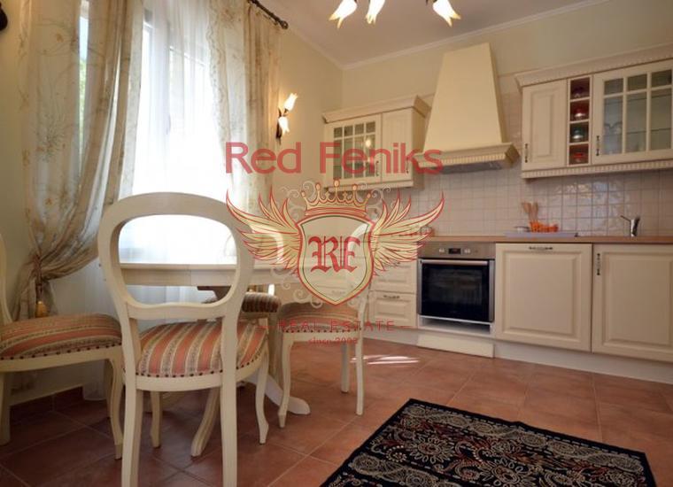 Продается комфортная квартира с панорамным видом на море и Котор, Квартира в Муо Черногория
