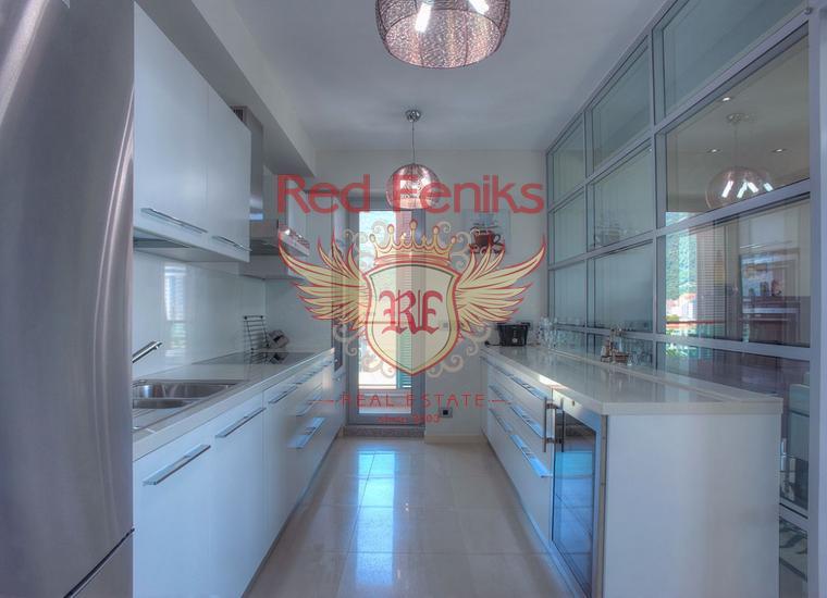 Роскошная видовая квартира в центре Будве, купить квартиру в Будва