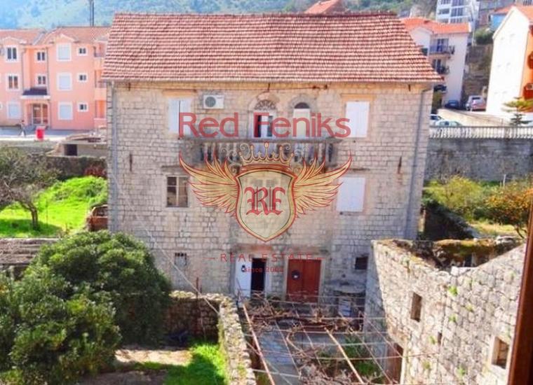 Каменный дом на первой линии в поселке Прчань, Дом в Которский залив Черногория
