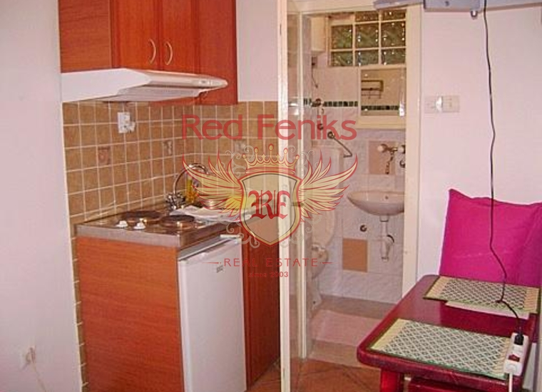 Вилла с апартаментами в Бечичах, купить гостиницу в Бечичи