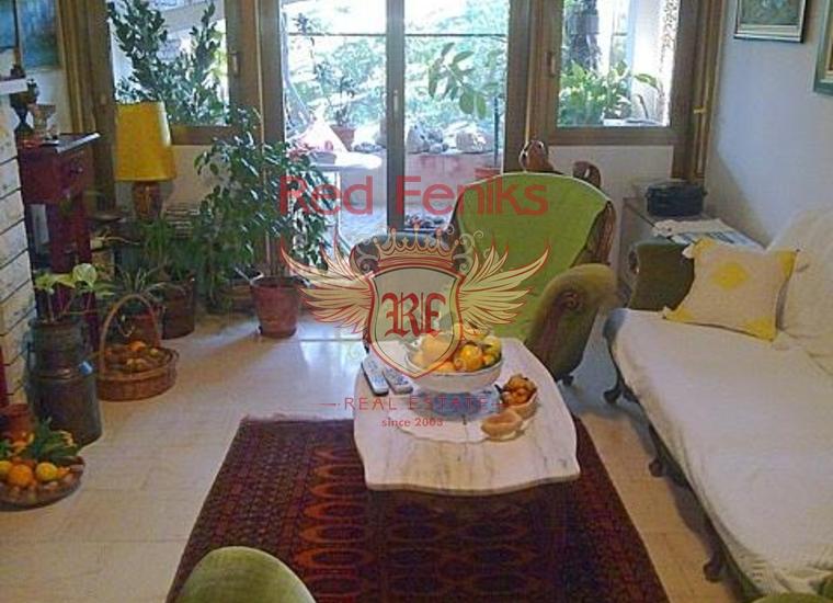 Вилла с апартаментами в Бечичах, Коммерческая недвижимость в Регион Будва Черногория