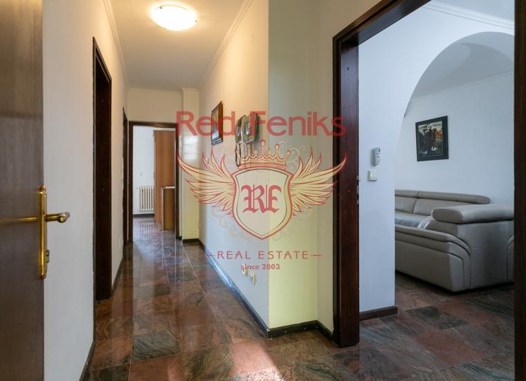 Каменный отель в Бечичах, Черногория, купить коммерческую недвижимость в Регион Будва
