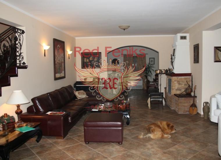 Комфортабельная Вилла в Каваче, Вилла в Тиват Черногория