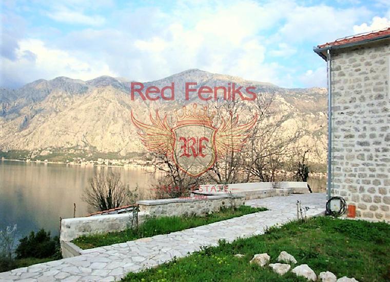 Дом с панорамным видом на море и большим участком в Бока-Которском залив, Вилла в Прчань Черногория