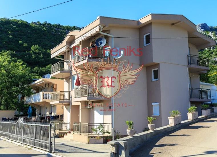 Продаётся мини-отель, расположенный в посёлке Чань на удалении около 800 метров от моря.