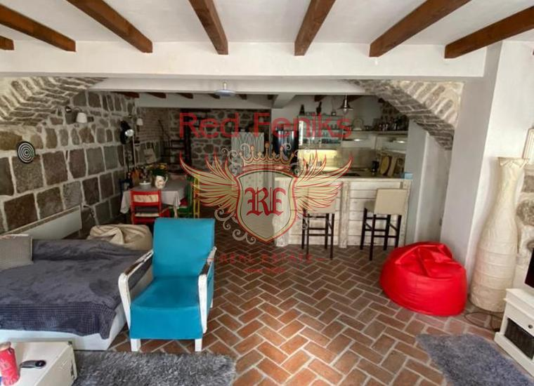 Стильная Двухэтажная Квартира в центре Старого города Герцег-Нови, Квартира в Баошичи Черногория