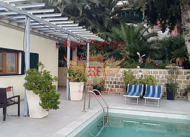 Поместье с панорамным видом на берегу Боко-Которского залива, купить дом в Херцег Нови