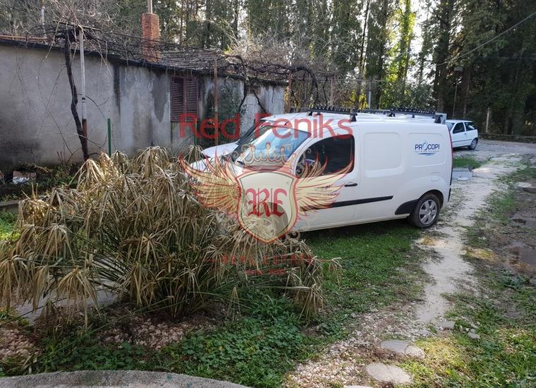 Дом недалеко от Моря в Тивате, Вилла в Тиват Черногория