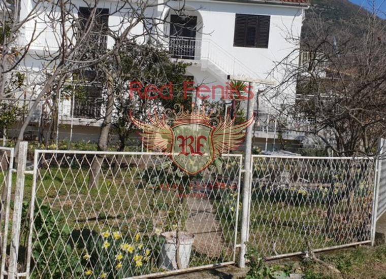 Двухэтажный дом в Тивате, Дом в Регион Тиват Черногория