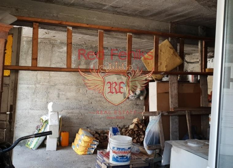 Старинный Трехэтажный Дом на Первой Линии, купить виллу в Муо