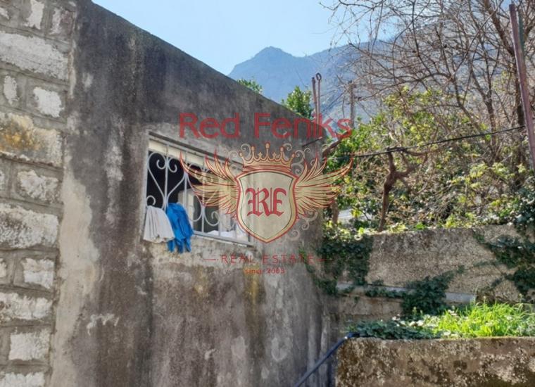 Старинный Трехэтажный Дом на Первой Линии, Дом в Которский залив Черногория