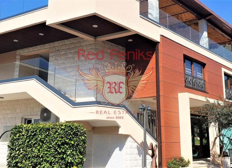 В курортном поселке Дженовичи продается квартира площадью 56 м2, которая расположена в клубном доме с закрытой территорией, с зоной барбекю.