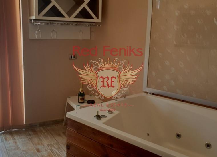 Готовый Бизнес на Первой Линии в Кумборе, купить коммерческую недвижимость в Херцег Нови