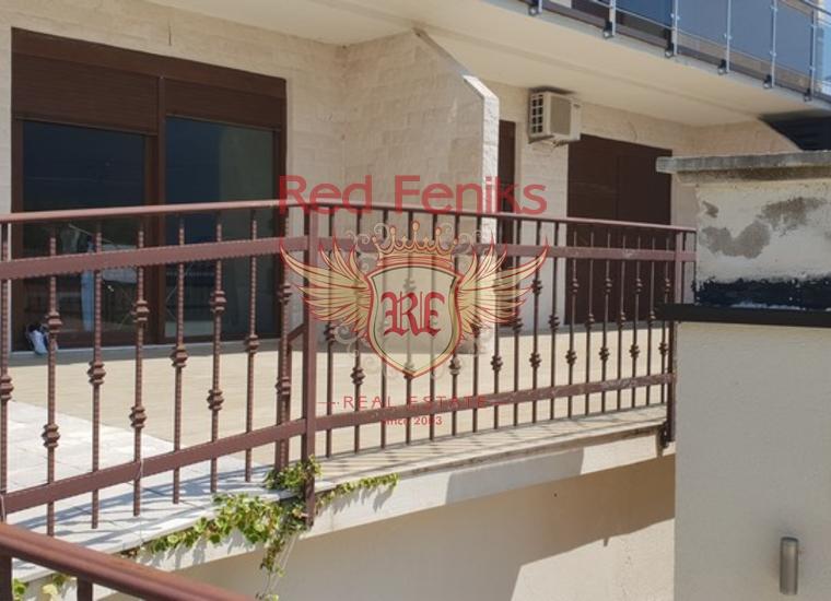 Просторная Квартира в Кумборе на первой линии, купить квартиру в Херцег Нови