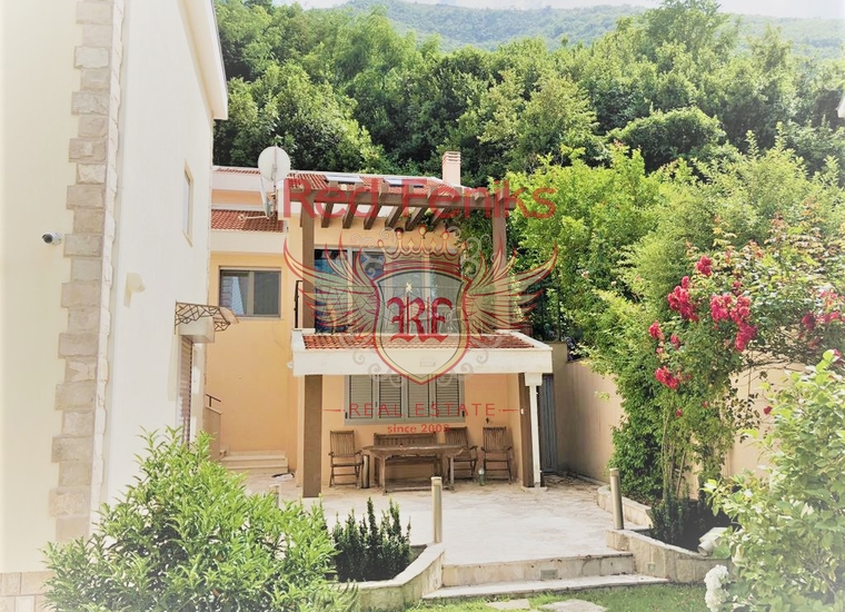 Вилла с видом на море на берегу Бока-Которского залива, Дом в Которский залив Черногория