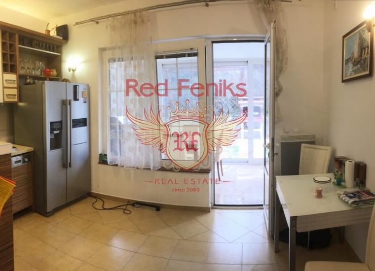 Квартира в загородном комплексе, Квартира в Бар Черногория