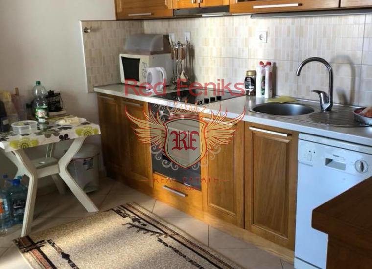 Дом с апартаментами, купить виллу в Добра Вода
