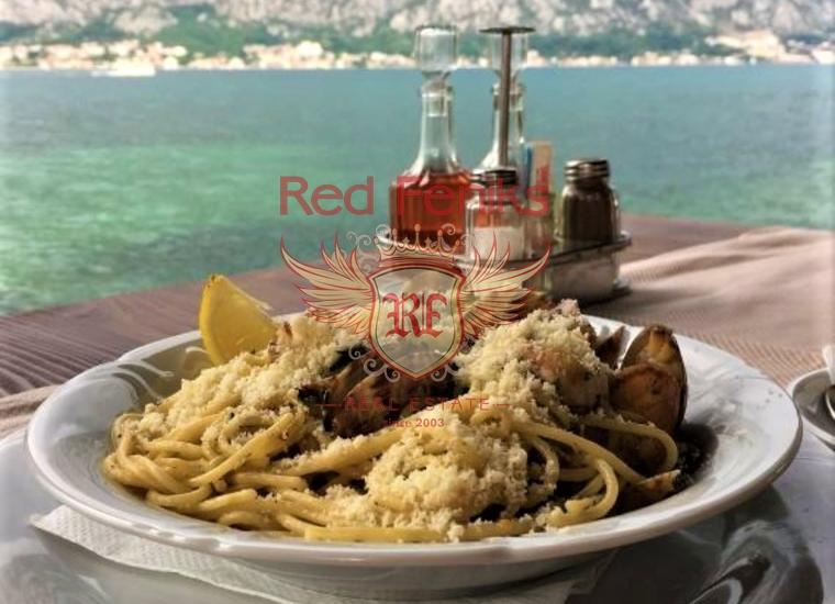 Продается уютный ресторан таверна на берегу Которского залива, Черногория.