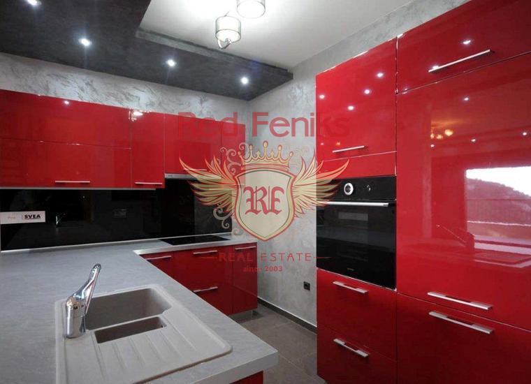 Квартира с отдельной спальней с панорамным видом на море в Рисане, Квартира в Рисан Черногория