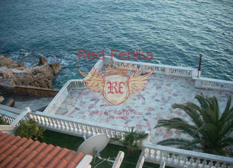 Вилла мини отель на берегу моря для реконструкции, Коммерческая недвижимость в Бар Черногория