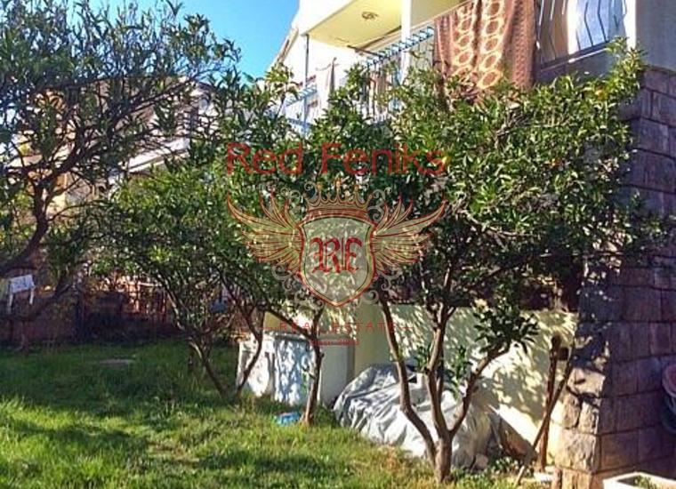 Вилла с апартаментами в Бечичах, Коммерческая недвижимость в Бечичи Черногория