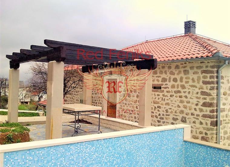 Дом с панорамным видом на море и большим участком в Бока-Которском залив, Дом в Которский залив Черногория