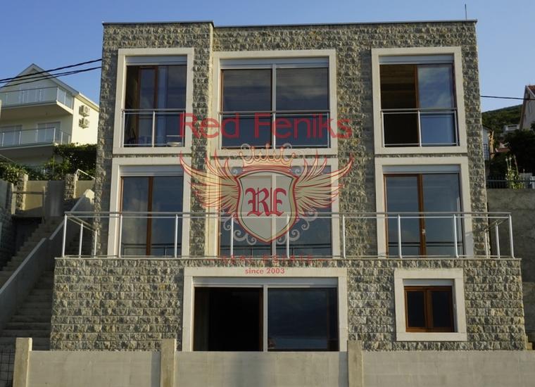 На продажу новая вилла на первой линии в Крашичи, Которский залив, Черногория.