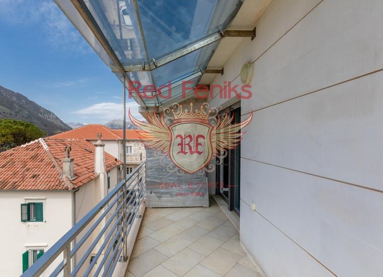 Двухуровневая квартира в Доброте, Котор, Квартира в Доброта Черногория