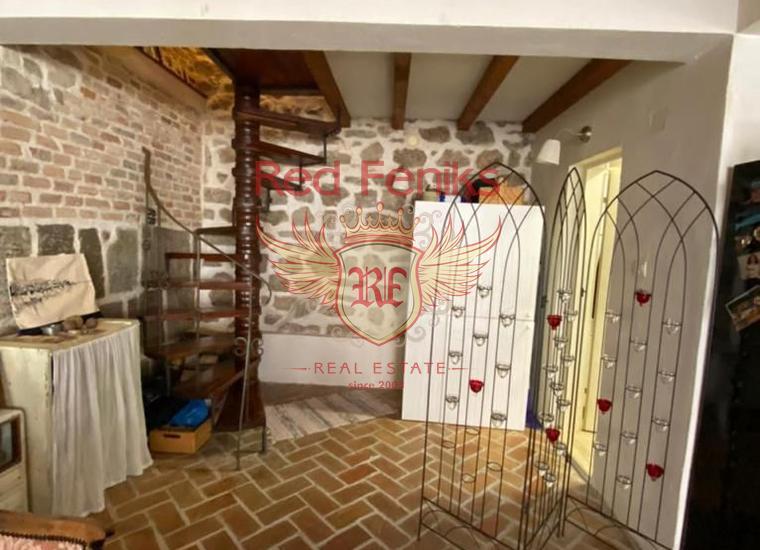 Стильная Двухэтажная Квартира в центре Старого города Герцег-Нови, Квартира в Херцег Нови Черногория