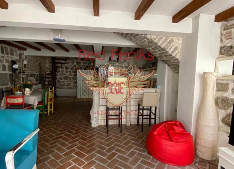 Стильная Двухэтажная Квартира в центре Старого города Герцег-Нови, купить квартиру в Баошичи