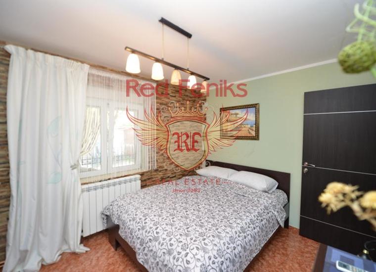 Дом на первой линии в Ораховце ПРОДАНО, Дом в Которский залив Черногория