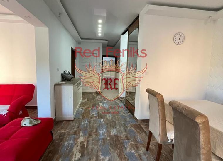 Просторная квартира с 2 спальнями в Херцег Нови, купить квартиру в Баошичи