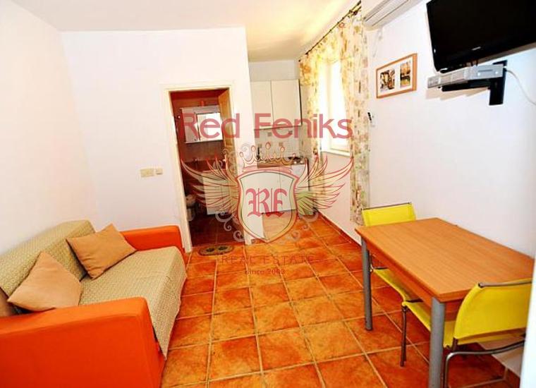 Мини-отель на первой линии в Кумборе, купить коммерческую недвижимость в Херцег Нови