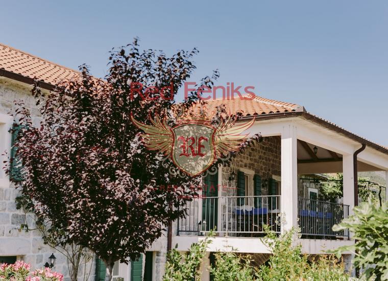 Роскошная вилла с бассейном на полуострове Луштица, купить виллу в Жанице