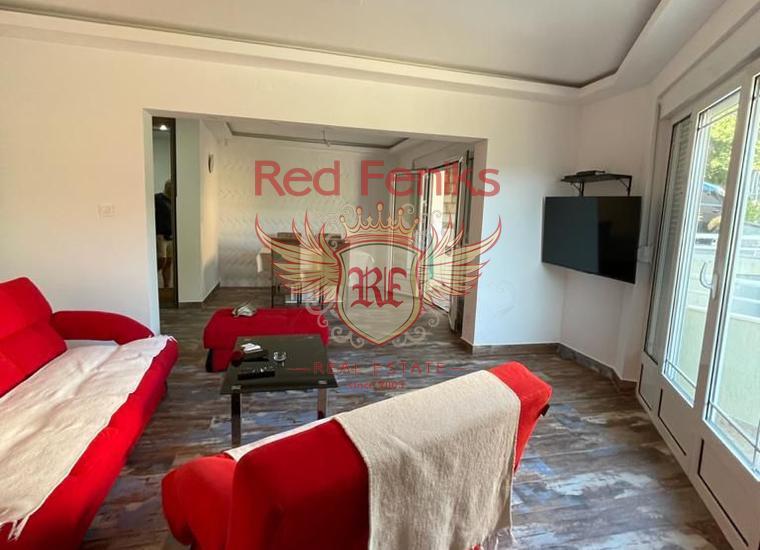Просторная квартира с 2 спальнями в Херцег Нови, Квартира в Херцег Нови Черногория
