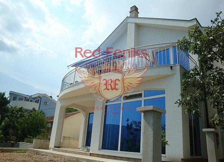 Дом с панорамным видом на залив в поселке Биела, купить виллу в Биела