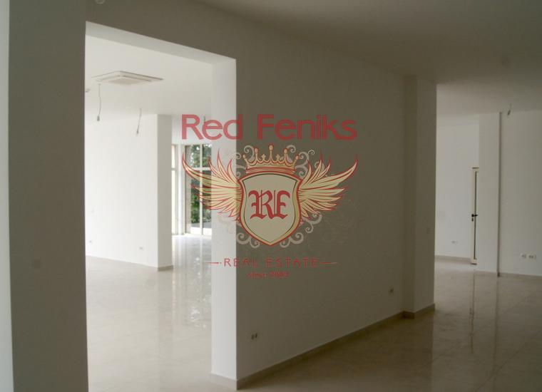 Коммерческое помещение под ресторан или магазин, Коммерческая недвижимость в Регион Тиват Черногория