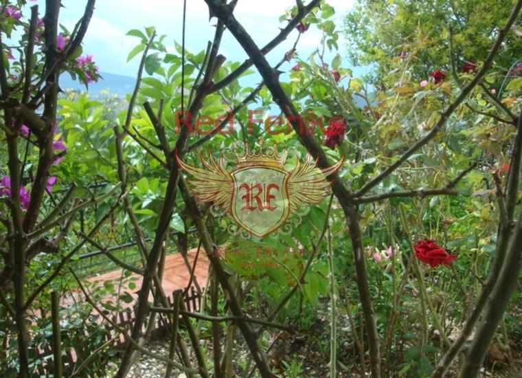 Великолепная видовая квартира c бассейном и садом в Игало, Квартира в Игало Черногория