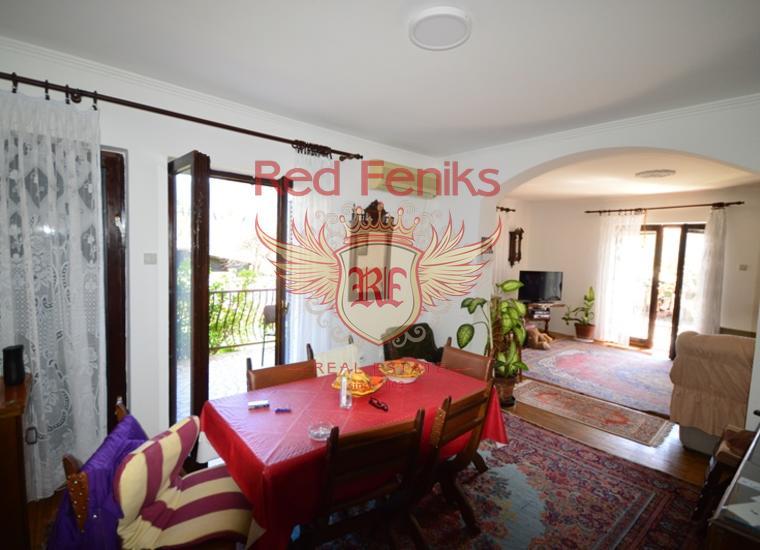 Очень хороший дом с квартирами в Биеле, купить виллу в Биела