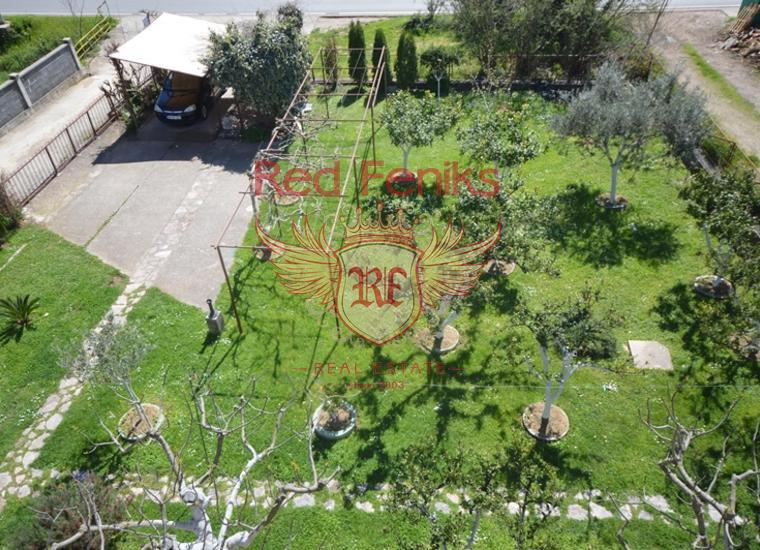 Очень хороший дом с квартирами в Биеле, Вилла в Биела Черногория