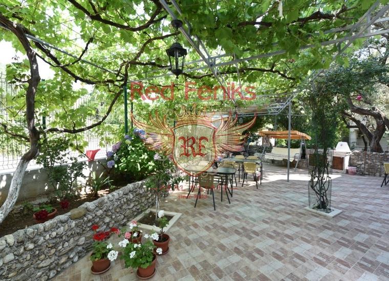 Вилла с апартаментами в Будве, купить отель в Регион Будва