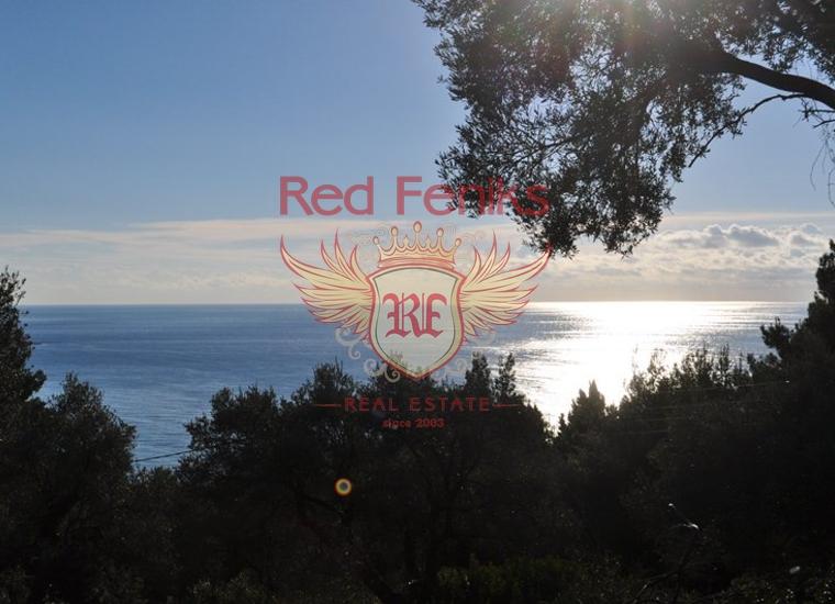 Участок 400м от моря с прекрасным панорамным видом.