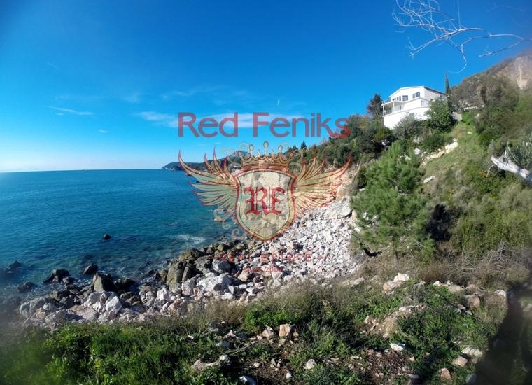 Продаётся отличный земельный участок на первой береговой линии.
