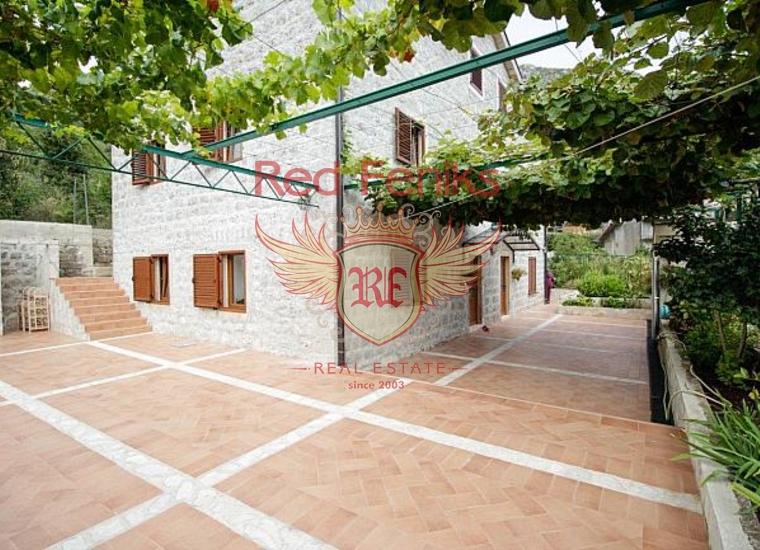 Стильная вилла в живописном поселке Моринь, Вилла в Моринь Черногория