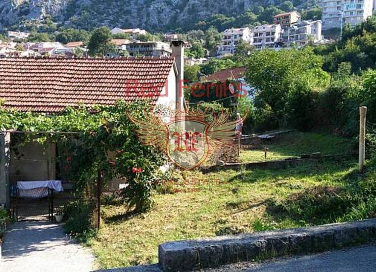 Отличный участок с домом в живописном поселке Доброта, купить виллу в Доброта