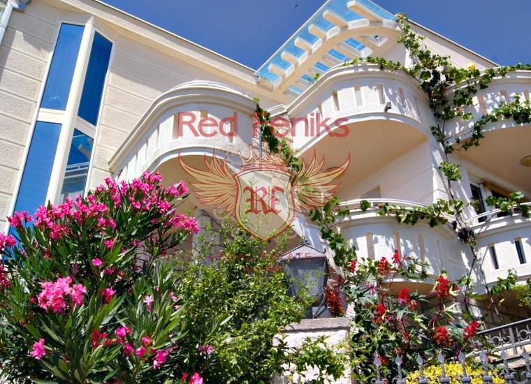 Великолепный дом в Доброй Воде, Вилла в Добра Вода Черногория
