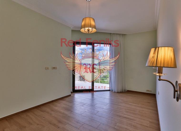 Великолепная Вилла в Тивате, купить дом в Регион Тиват