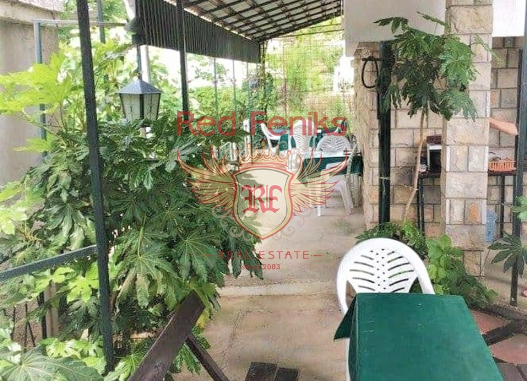Вилла с 6 апартаментами в Сутоморе, купить виллу в Сутоморе